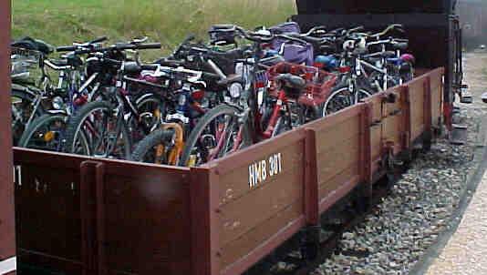 OW 301 mit sehr vielen Fahrrädern (Größe ca. 20 Kb)