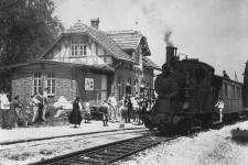 Die aller-allerletzte Fahrt der Lok 12 fand am 26. Juni 1965 für Filmaufnahmen der Foto- und Filmfreunde 08/16 aus Heidenheim statt, hier im Bahnhof Ebnat
