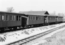Brünigwagen WN 13 und WN 10 sowie Herbrand-Wagen WN 6 und WN 7 abgestellt in den 1960er Jahren in Neresheim