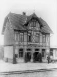 In frühen Jahren war das Fachwerk des Bahnhofsgebäudes Dischingen noch nicht verputzt
