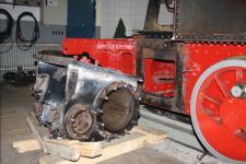 Januar 2013: der linke Zylinder abgebaut.