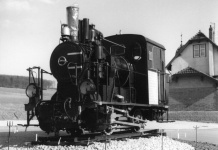 Lok WN 11 auf dem Denkmalsockel in Neresheim, nach 1965