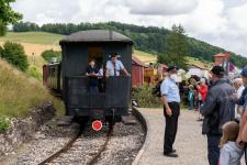 P3 wird am Bahnsteig in Neresheim bereitgestellt.