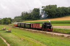 Der erste reguläre Dampfzug nähert sich Katzenstein...