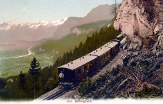 Ansichtskarte von der Brünigbahn, Schweiz - der Zug kommt von Meiringen und erklimmt gerade den Brünigpass