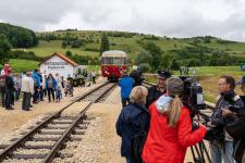 """Währenddessen steht Pressewart Walter Gekeler der Sendung """"Eisenbahn-Romantik"""" Rede und Anwort"""