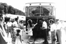 Einweihung des restaurierten T 33 während der Neresheimer Bahnhofshocketse am 9. August 1992